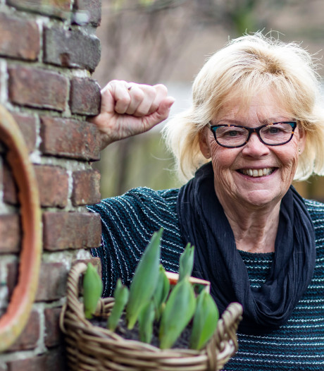 Gerda (69) staat al een halve eeuw op de planken: 'De kick die je krijgt, is verslavend'