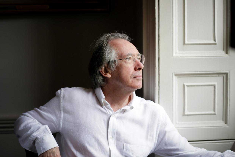 Ian McEwan: 'Voor mijn boek was ik op zoek naar iets dat net zo dom was als de Brexit. Ik vrees dat het niet is gelukt.'