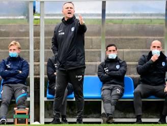 """John van den Brom op eerste matchpersconferentie sinds z'n terugkeer: """"Ik voel me hier meteen thuis"""""""