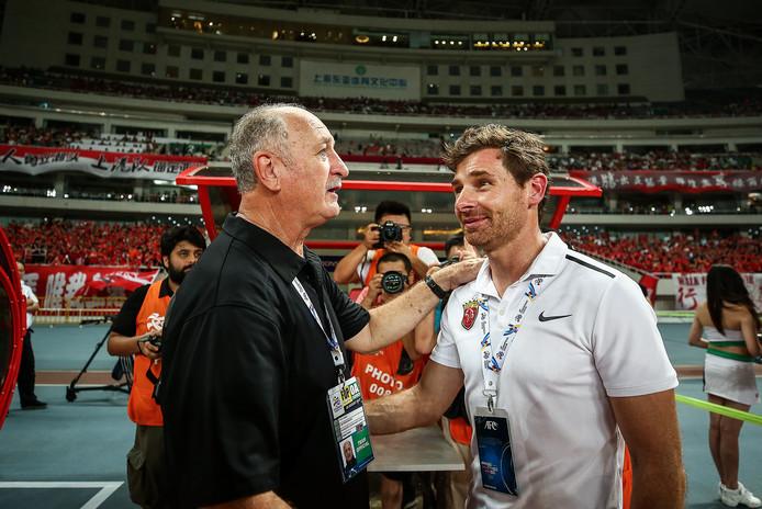Felipe Scolari (l) is trainer van Guangzhou.