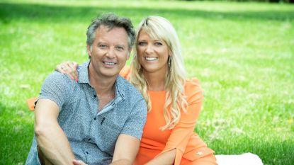 """Chris Van Tongelen en Annelies vieren één jaar liefde: """"Een vriend uit de showbizz, daar moest mama toch even aan wennen"""""""