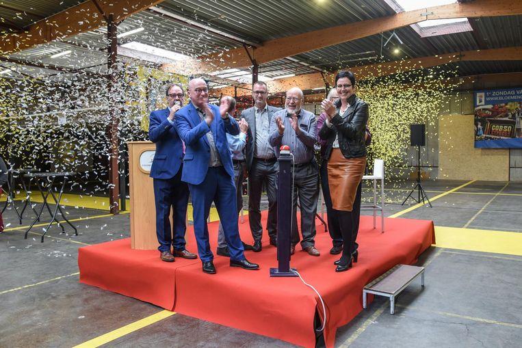 De nieuwe carnavalswerkhal op het Hoogveld in Dendermonde kende een spetterende inhuldiging.