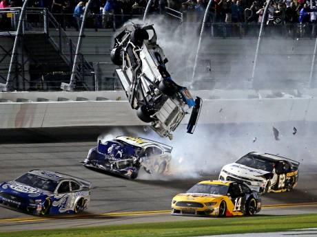 Les images d'un terrible accident à la fin du Daytona 500