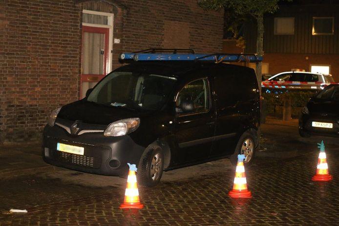 Auto beschoten in Graafsewijk in Den Bosch.