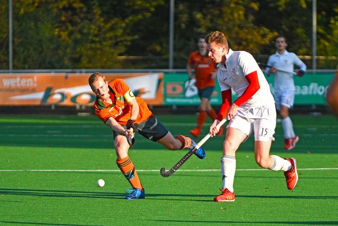 De hockeymannen van Etten-Leur stonden bovenaan in de Eerste klasse B, de Oosterhoutse competitiegenoot Warande bungelde juist onderaan.