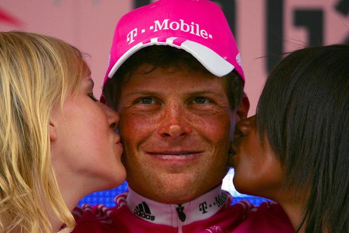 Jan Ullrich wint een tijdrit in de Giro in 2006.