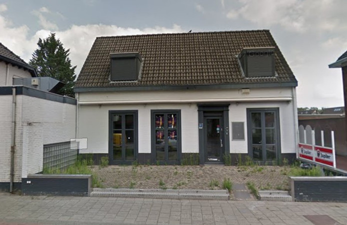 Horecapand aan de Nieuwendijk 9 in Heeze gaat tegen de vlakte