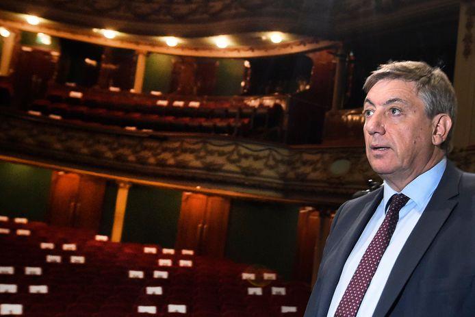 Vlaams minister-president en minister van Cultuur tijdens een bezoek aan Opera Antwerpen. Archiefbeeld.