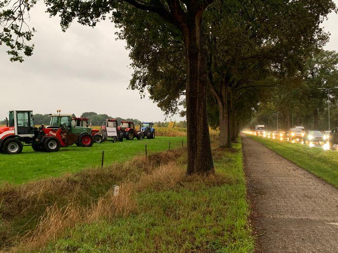 Stil boerenprotest langs N65 bij Helvoirt.