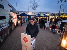 Honderden Emmeloorders vroeg uit bed voor Top 2000 Stembus