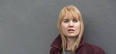 'In Zweden overspoelen we de bevolking niet met regels'