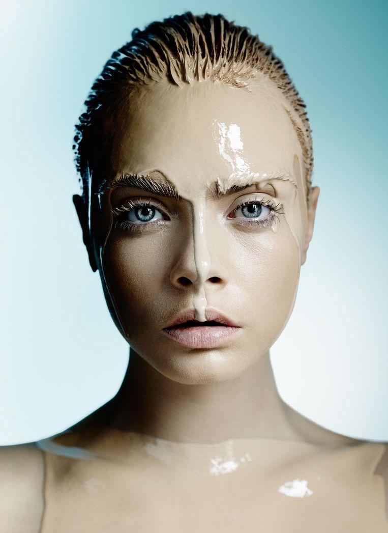 Portretfoto van Cara Delevingne, voor Allure in 2014. Beeld Mario Testino