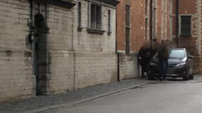 """Ontsnapte verdachte (19) aangehouden na nieuwe voorleiding onder strenge maatregelen: """"Geluidsoverlast nekte tiener"""""""