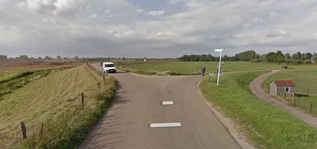 Oss wijkt voor sabotage op Oijense Benedendijk
