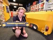 Droom treinhobbyist Manuel komt uit: eigen 'treinwinkel' in Enschede