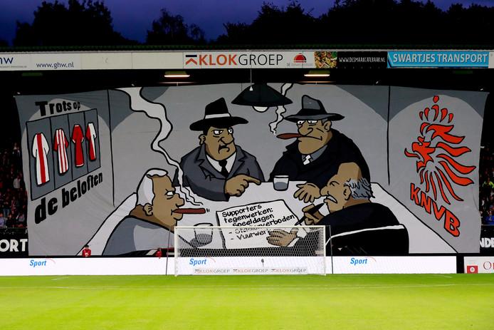 Het spandoek van supporters van NEC, gericht aan het adres van de KNVB.