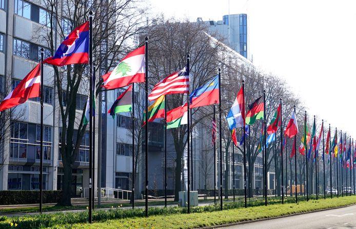 Vlaggen bij het World Forum.