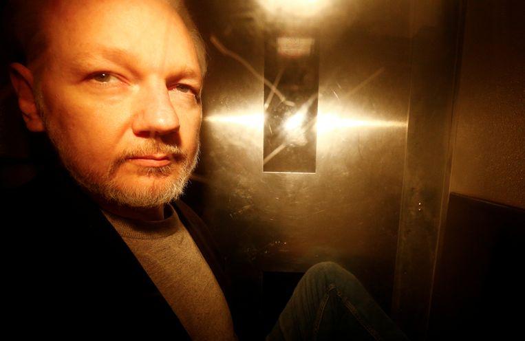Assange zit momenteel vast in een gevangenis in Londen.