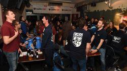 60 nuchtere studenten en vier vaten Jupiler 0.0%: zo startte de eerste alcoholvrije cantus