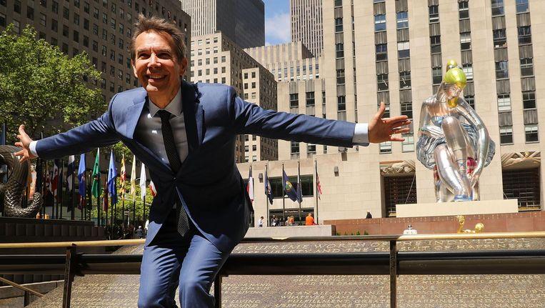 Jeff Koons in New York voor Seated Ballerina, een kunstproject van het Art Production Fund. Beeld afp