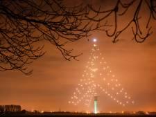Grootste Kerstboom gaat weer aan,  met verbeterde verlichting