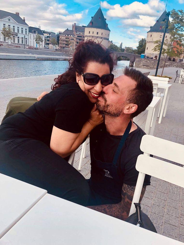Rania en haar grote liefde 'Benito' Benny, aan de verlaagde Leieboorden in Kortrijk