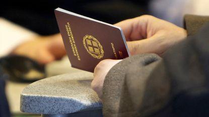 Griekse politie arresteert op Kreta 41 migranten die met valse paspoorten proberen door te reizen