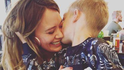 Hilary Duff zegt tegen haar zoontje dat ze slechte mama is, zijn reactie is hartverwarmend
