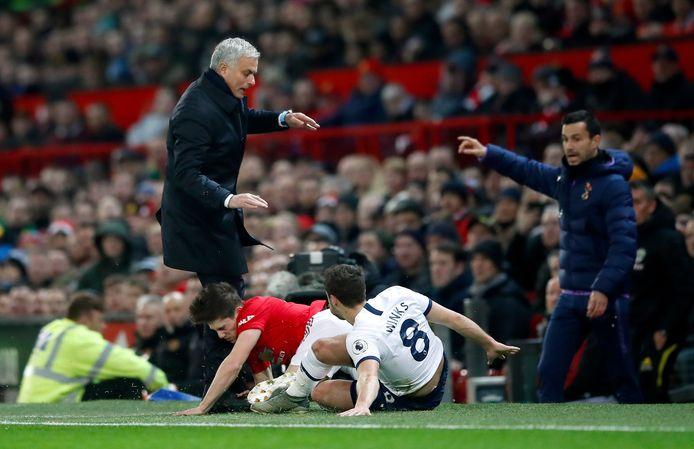 José Mourinho wordt bijna omver gekegeld door Daniel James.