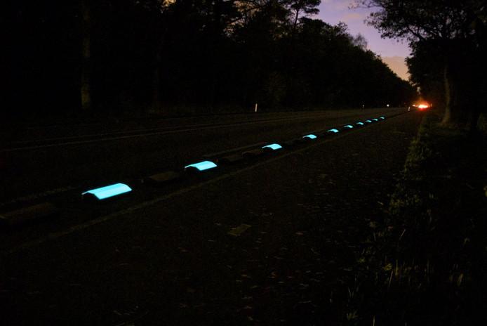 Een voorbeeld van de lichtgevende FloWithtDGlow-markeringsstrepen. foto SmitsNeuchatel