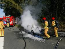 Brommobiel volledig uitgebrand op Terraweg in Best
