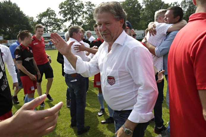 Vreugde bij Frans Adelaar na de promotie in juni van 2018.