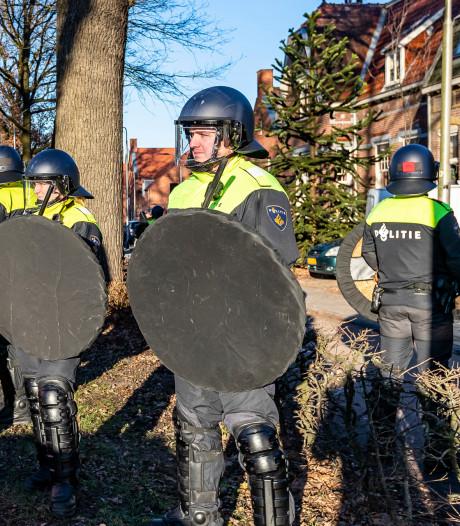 Man aangehouden door ME na derby Willem II - NAC in Tilburg