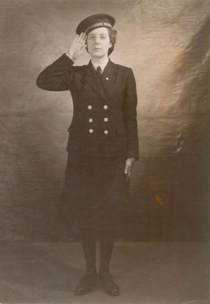 Francien de Zeeuw was in 1944 de eerste vrouw die zich bij de Marine Vrouwenafdeling MARVA voegde.