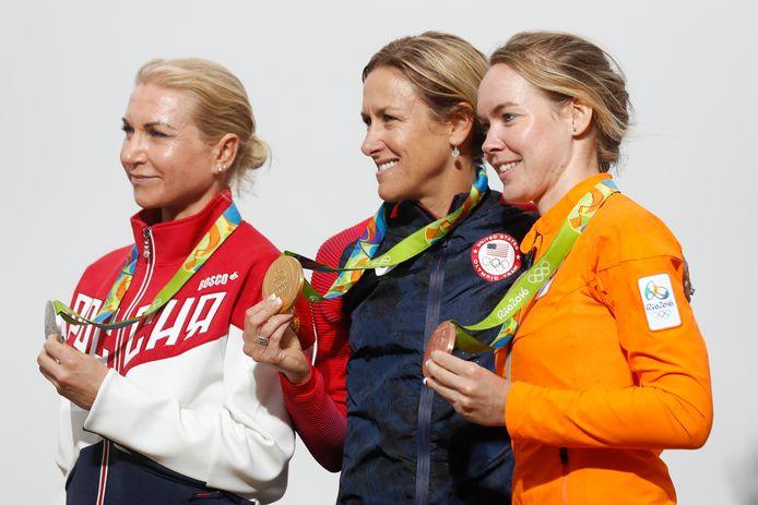 Kristin Armstrong met olympisch goud naast Anna van der Breggen, die brons pakte in Rio de Janeiro.