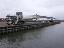Wow! Bolk Transport uit Almelo vervoert rotorbladen van 77 meter