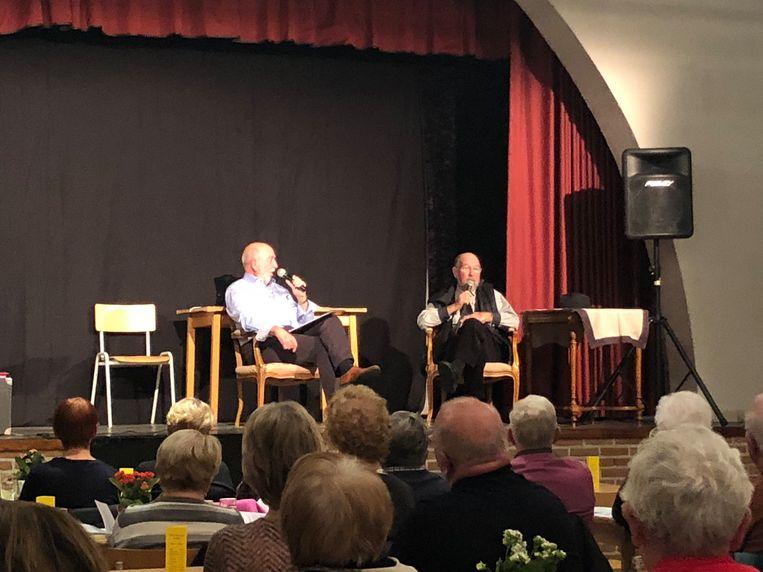 Gilbert Opsteyn 'Oppe stool' bij Jos Donders.