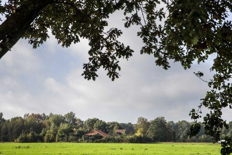 De boerderij in het Drentse Ruinerwold waar een vader met vijf kinderen jarenlang in een afgesloten ruimte zou hebben geleefd. Beeld ANP