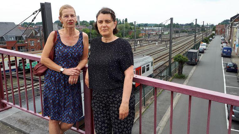 Nadine en Elisabeth zijn de slapeloze nachten door de nutteloos ronkende treinen beu.