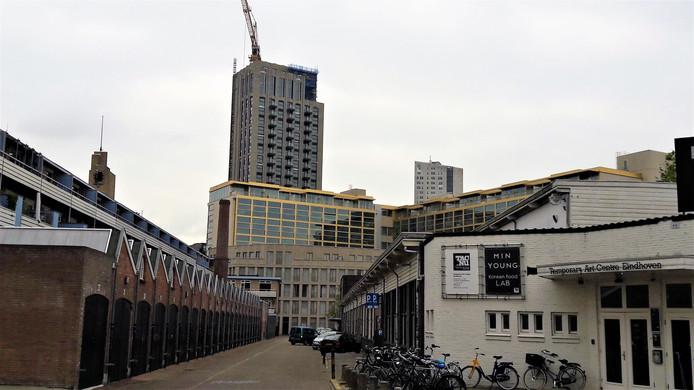 Het Victoriakwartier in Eindhoven, met rechts het TAC.