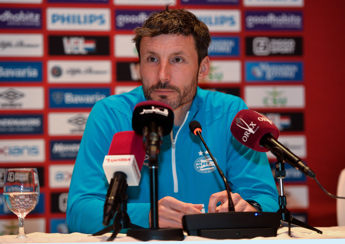 PSV-trainer Mark van Bommel.