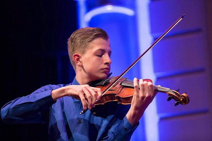 Jelte van Putten deed als violist mee aan het Koninklijk Concertgebouw Concours 2016 en geeft nu een zaterdagmiddagconcert in Kampen.