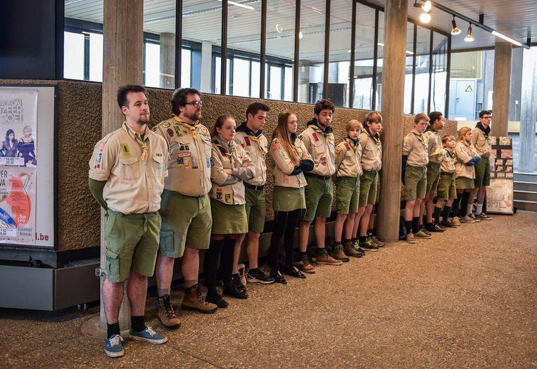 De scouts maakte een erehaag aan de ingang.