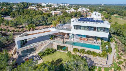 Dit is de mooiste nieuwbouw van Spanje (en voor 3,3 miljoen euro is hij van jou)