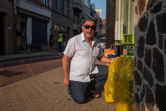 Raadslid Savas Moschidis wil een nieuw reglement voor de ophaling van huisvuil in Wetteren.