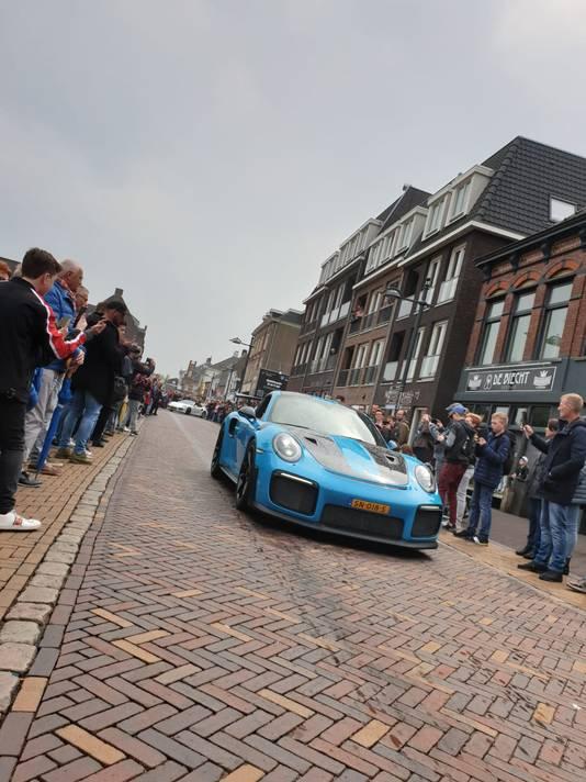 Deze Porsche GT2 RS was een van de blikvangers van de Strada in Oudenbosch