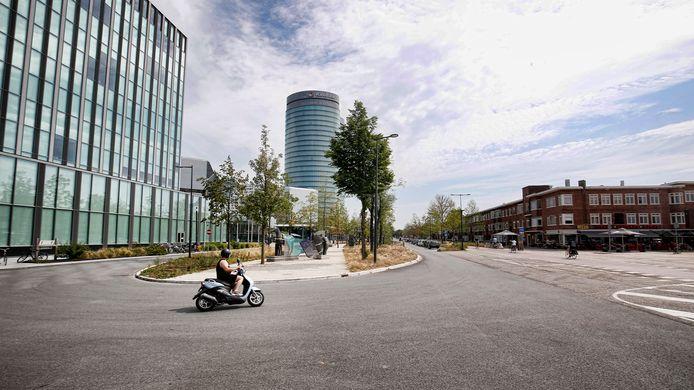 Een verlaten Utrechtse Croeselaan, gistermiddag. Het gebied bij de Jaarbeurs had dezer dagen het centrum van de Vuelta-festiviteiten moeten zijn.