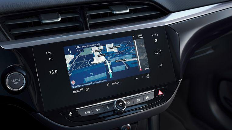 In de cockpit oogt bijna alles als in de vorig jaar gelanceerde zesde-generatie-Corsa. En dat betekent: relatief veel luxe, veel veiligheid en veel hulp voor de bestuurder. Beeld