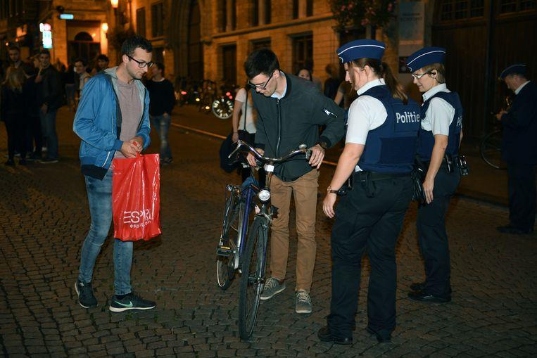 Ook de fietsers in de Leuvense binnenstad werden aan een controle onderworpen