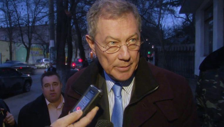 VN-gezant Robert Serry gisteravond in Simferopol. Beeld ap